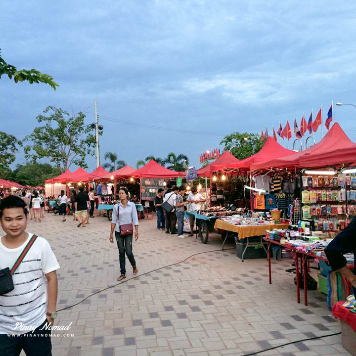 RIVERSIDE NIGHT MARKET IN VIENTIANE