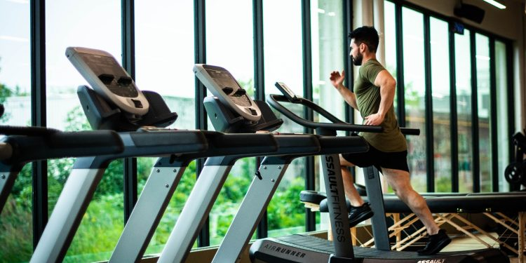 how to manage gym anxiety