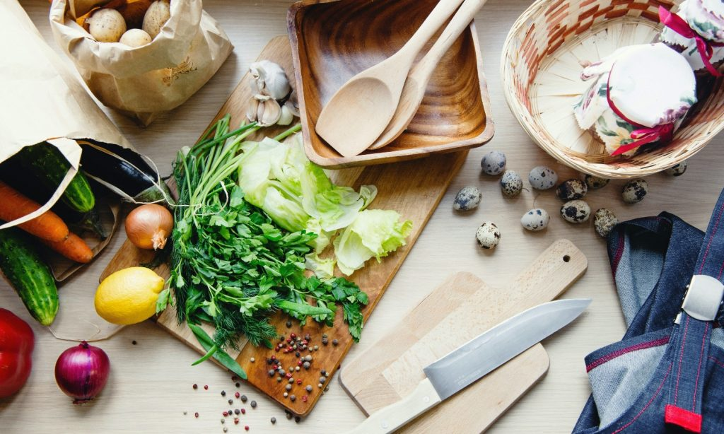 how to save money on food and eat healthy